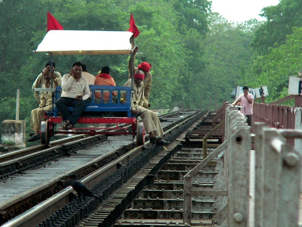 Suresh Prabhu launches optimized tools for safety of track gangs, keymen and patrolmen