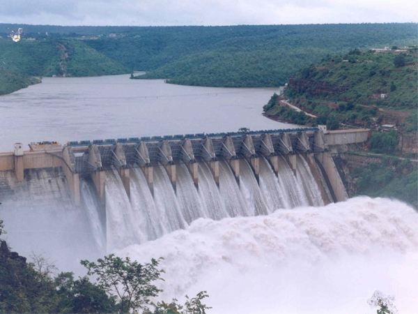 Only 15% water storage available in 91 major reservoirs of the country