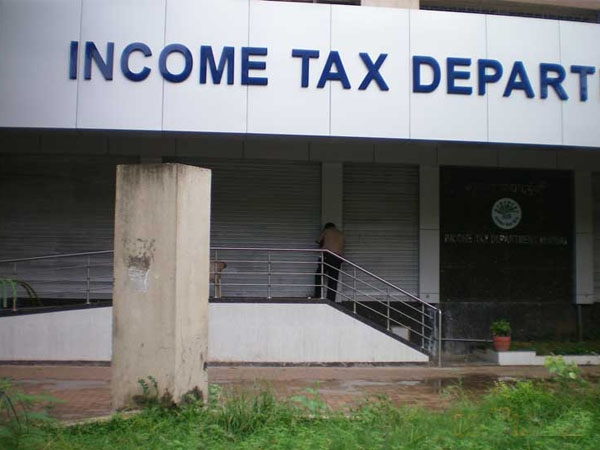CBI court issues five years imprisonment to two former Income tax officers of Bangalore