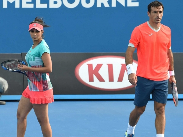 Sania Mirza enters mixed doubles quarterfinals at French Open