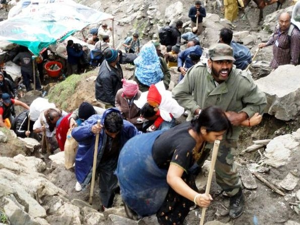 Amarnath Yatra suspended for third day due to closure of Srinagar-Jammu national highway