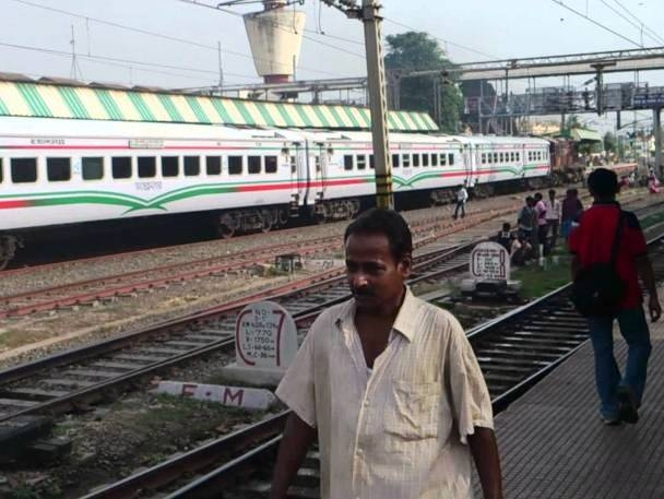Indian Railways PSU RITES Ltd. exports 60 Broad Gauge modern passenger coaches to Bangladesh