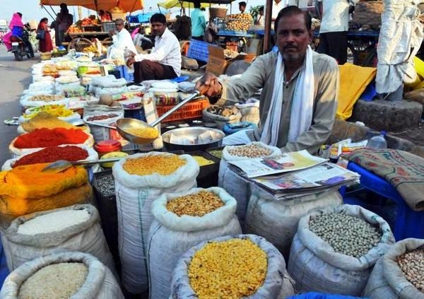 13,000 MT imported pulses arrive in India; Govt procures 60,000 MT Rabi pulses for buffer stock
