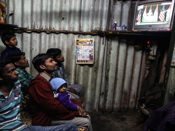 Centre asks States to block illegal TV channels; orders prompt action against defaulters