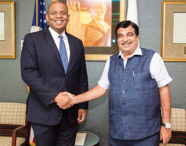 'Road safety is govt's highest priority; U.S assures all help to build smart transport systems': Gadkari