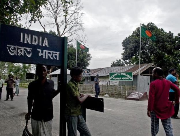 Govt reviews security along Indo-Bangladesh border in view of recent incidents in Bangladesh