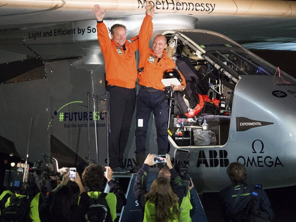 Solar Impulse 2 creates history as it becomes first solar aircraft to circle the globe