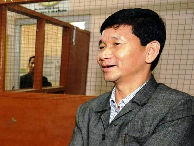 Arunachal CM Pul directs DCM to take appropriate action against corrupt officers in the state