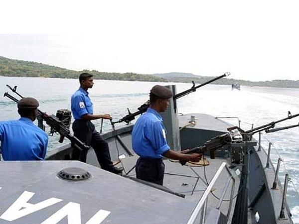 Seventeen Indian fishermen arrested by Sri Lankan Navy; taken to Kangesanthurai for further action