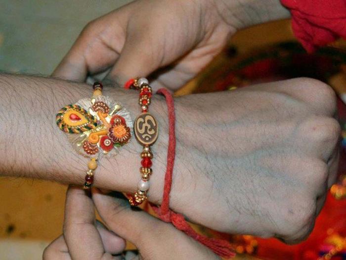 Muslims, Hindus of Lahore celebrate festival of Rakhi