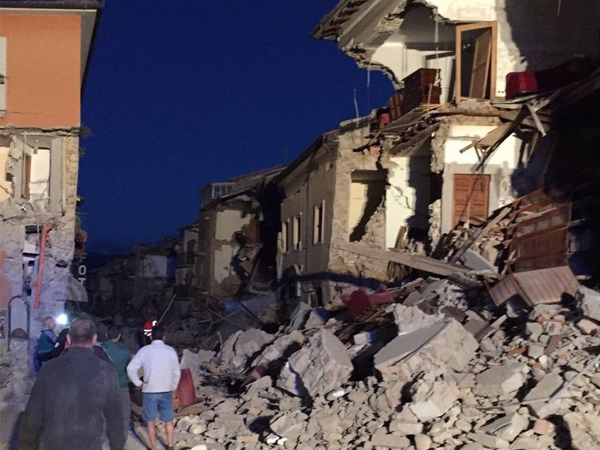 Central Italy shakes by magnitude of 6.2 earthquake; victims stuck under rubble