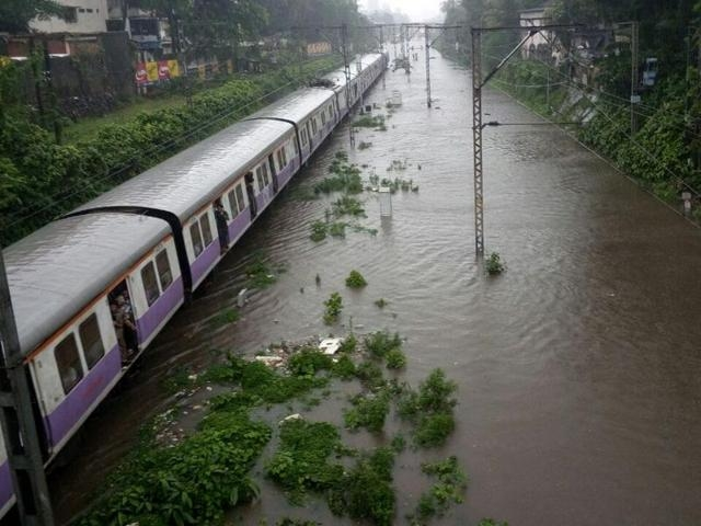 Non-stop Rain turns devil for Mumbai; railway, flight, road services affected