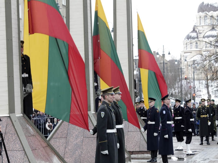 President Mukherjee greets people of Lithuania on National Day