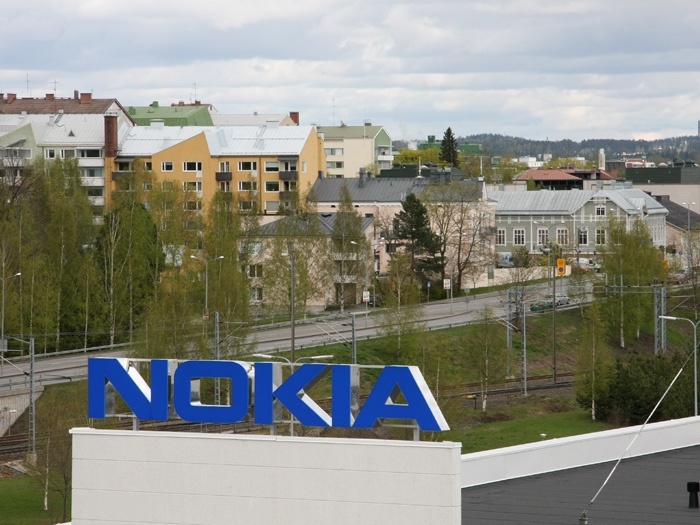 Nokia reports a loss of 766 million euros but sales doubled to 6.6 billion euros