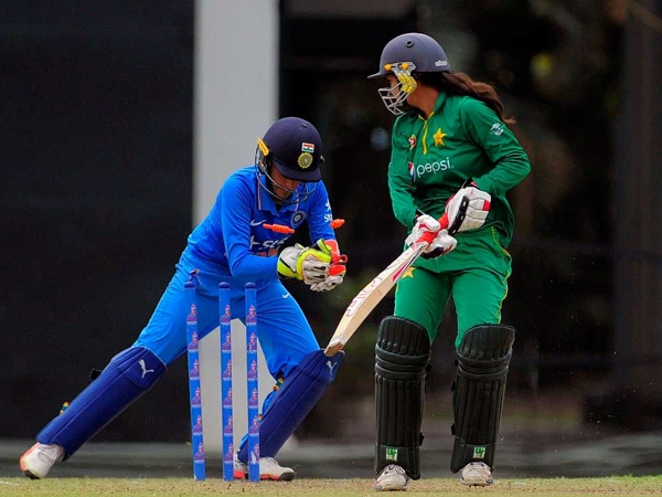 ICC Women's WC qualifiers: India defeats archrival Pakistan by seven wickets to reach finals