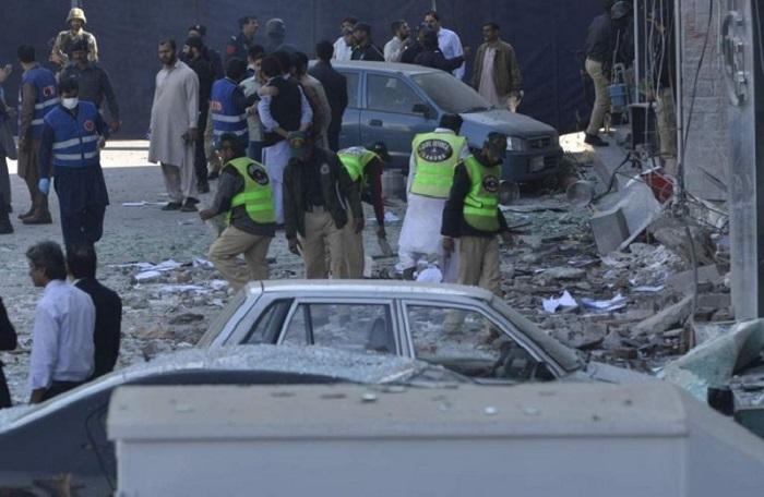 Eight dead in Lahore blast