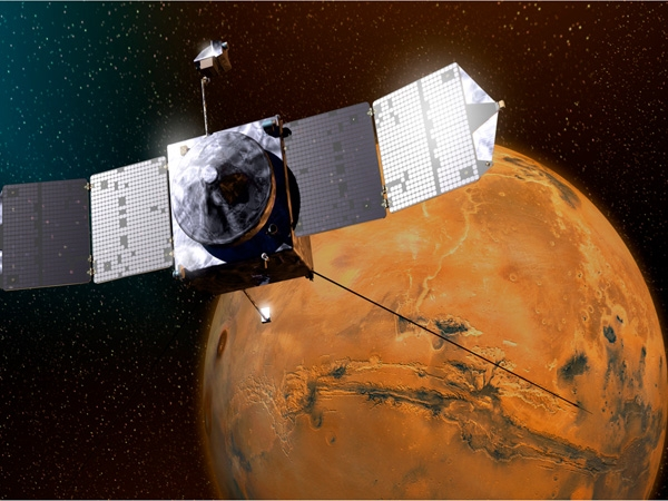 MAVEN changes its course to avoid collision with Martian moon Phobos