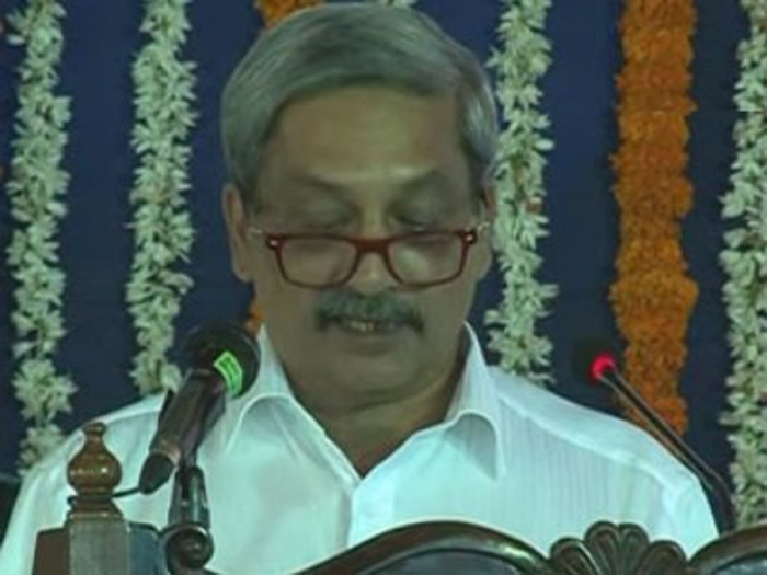 Parrikar thanks Congress for BJP government in Goa