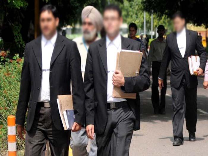 Delhi-NCR lawyers strike work, protest Advocates (Amendment) Bill, 2017