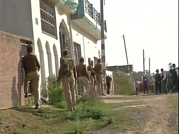 ATS engaged in gun battle with trapped terrorist in Lucknow