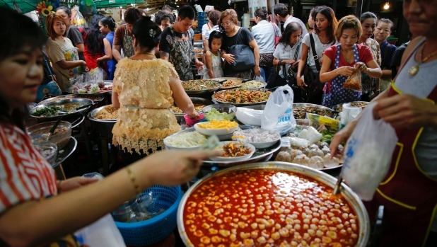 Bangkok, best destination for street food bans 'street food'