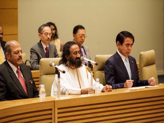Sri Sri Ravi Shankar inaugurates Yoga Club at Japanese Parliament