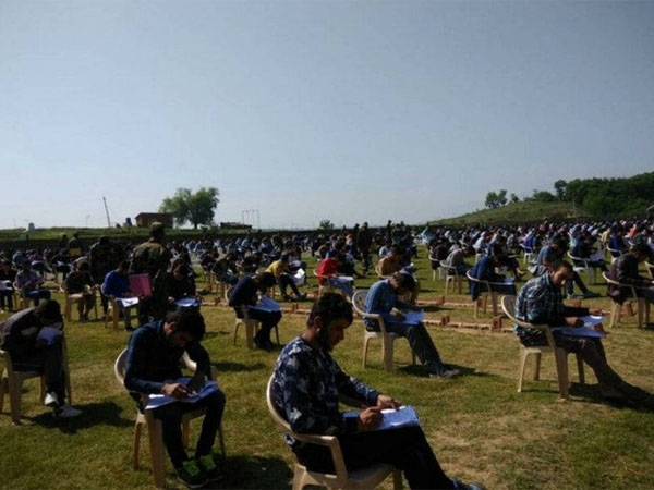 Kashmiri Youth is ready to sacrifice for their Nation; Appear in Army exam despite of Separatists' bandh