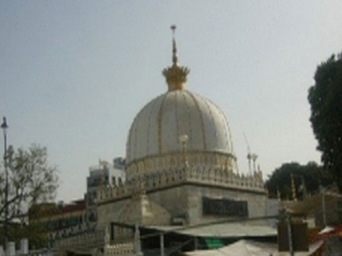 Fatwa issued against Ajmer Shrine chief for denouncing beef, triple talaq