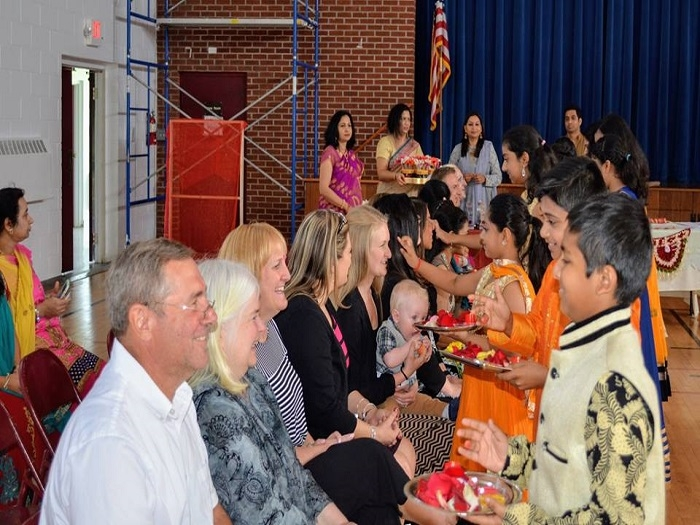 HSS honours over 1250 teachers during 'Guru Vandana' in America