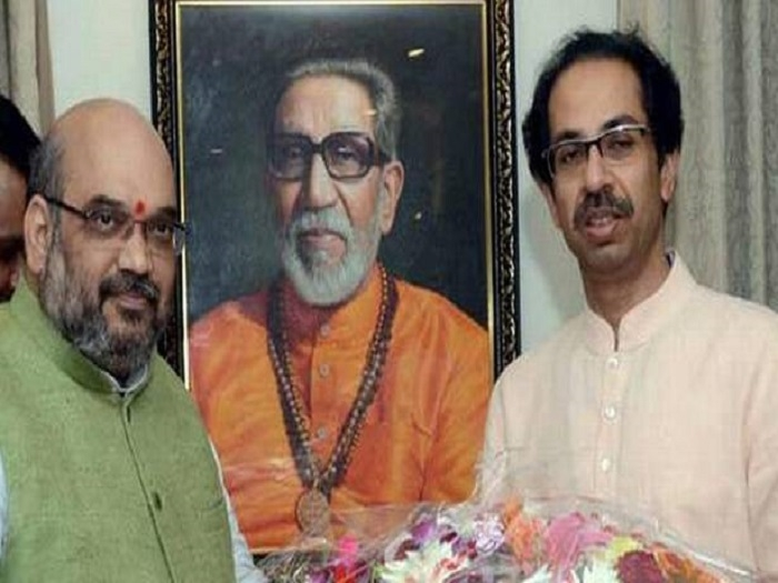 Amit Shah, Fadanvis call on Uddhav Thackeray