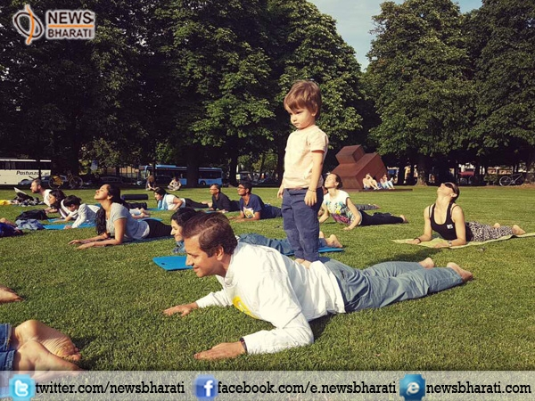 Munich celebrates #InternationalYogaDay with writing workshops on asanas and quizzes