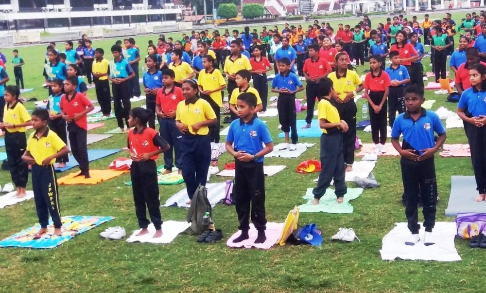 Not only elders but also 1500 school kids celebrates International Yoga Day in Malaysia