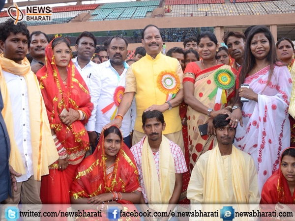 Forever Together! Jharkhand redefines 'Love' as 257 couples get married today with the help of CM Raghubar Das