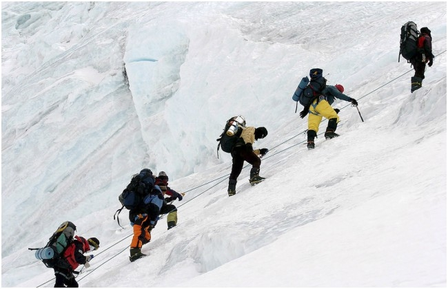 Overcoming difficulties, Andhra team succeeded in climbing Mt Everest