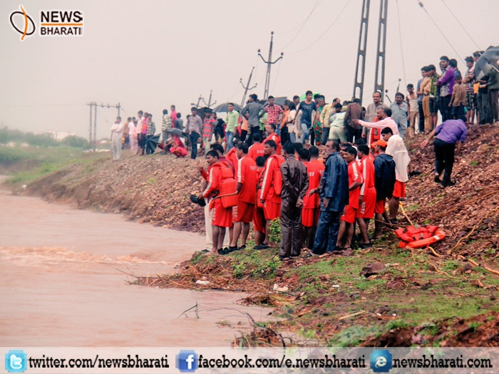 Torrential rain, floods like situation in Gujarat claims 15 precious lives, 6 others missing