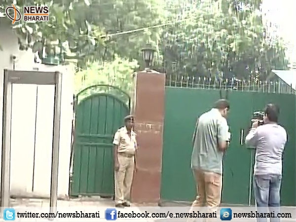 CBI raids Lalu Prasad's residence over alleged irregularities in railway hotel tender