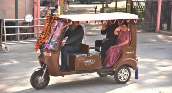 EAM Sushma Swaraj gets her 'Musafir' travelling as she hands over two e-rickshaws to the Ambassador of Senegal