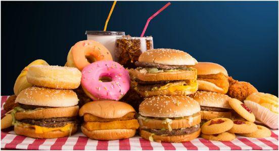 Junk food diet raises depression risk: Study