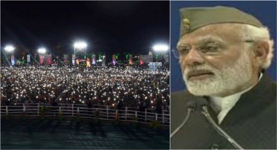 Scenically hatke! Asking people to switch on cell phone flashlights, PM Modi's unique tribute to Netaji Bose was absolutely delightful