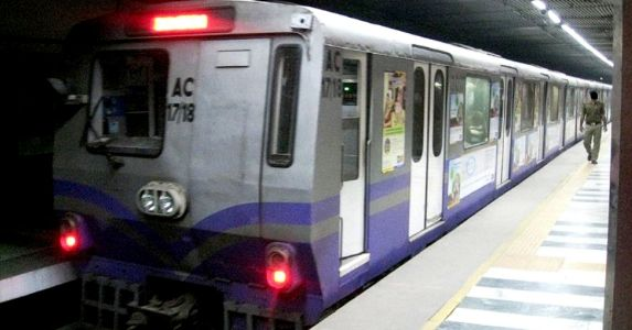 Kolkata Metro goes digital! Avoid long queues and download the app now