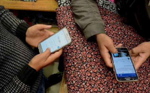 Ringing bells of mobile phone, Jammu and Kashmir connects to India resuming post-paid mobile services