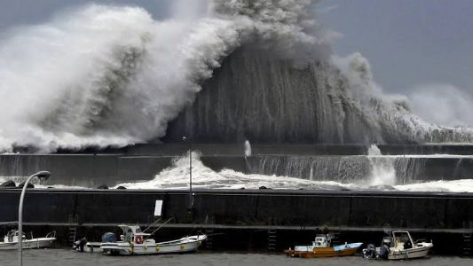 Japan, floods in Tokyo! Typhoon Hagibis in Japan force 50 to breath last ;India's INS Sahyadri, INS Kiltan move for aid