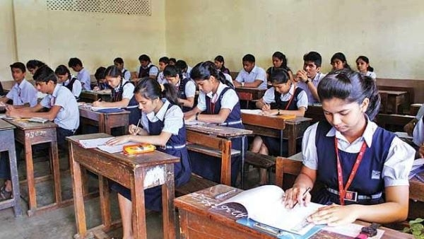 Moving with the times, Andhra Pradesh to introduce English medium in all  government schools - NewsBharati