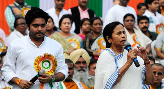 Kolkata police teams up again to protect Mamata coterie? Refuses FIR by Customs on Abhishek Banerjee's wife