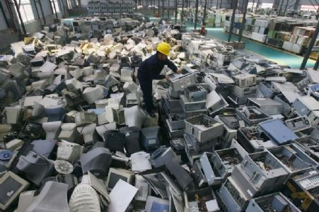 Turn toxic e-waste into a source of 'decent work'