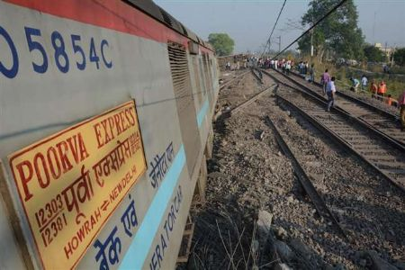 12 coaches of Poorva Express derail near Kanpur