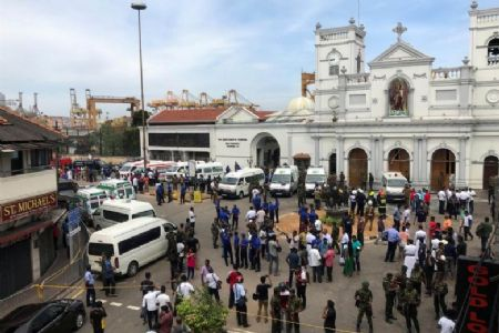 Six blasts in Sri Lanka shatter churches and hotels; at least 137 killed, several injured