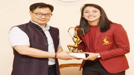 Moment of Pride! Smriti and Rohan Receive Arjuna Awards from Sports Minister