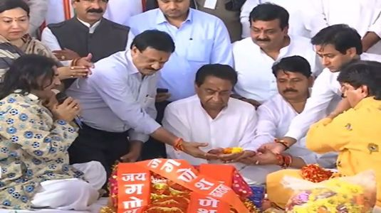 Stepping up towards development, MP CM Kamal Nath performs ground-breaking for Indore metro rail