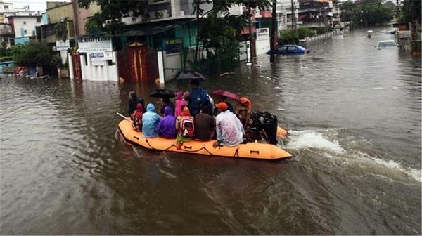 floods_1H x W